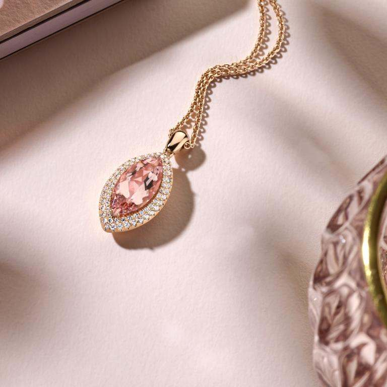 Morganite pendant with props