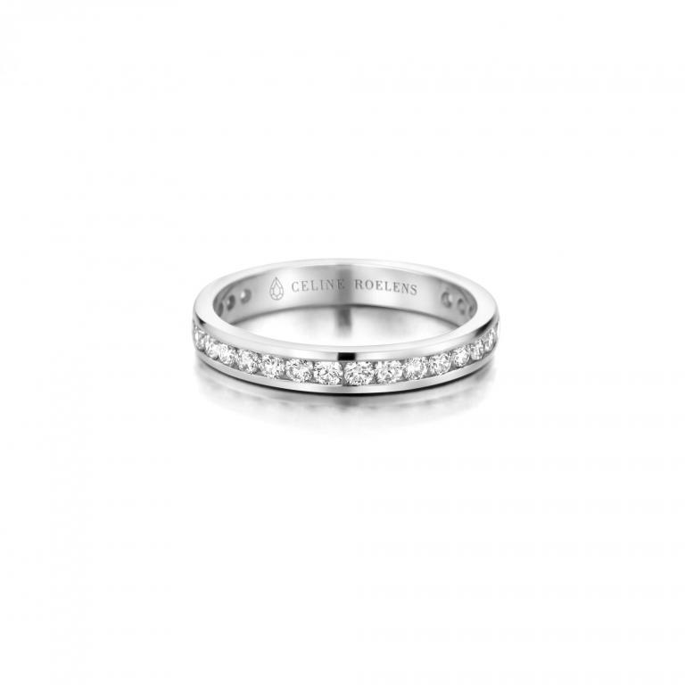 MONA wedding ring diamonds