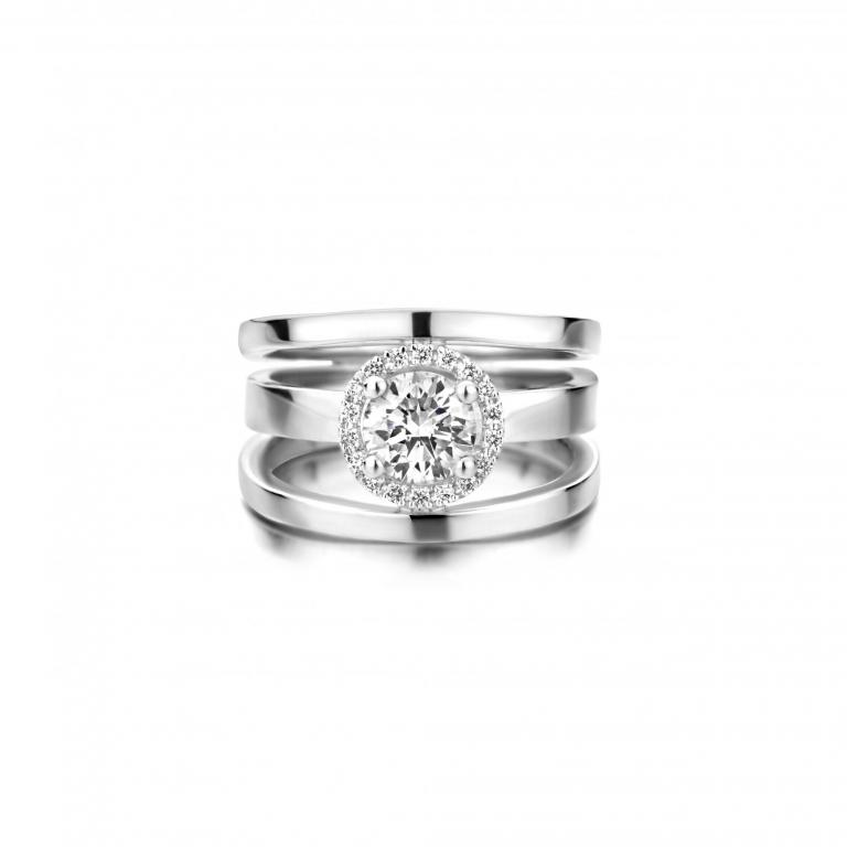 LAURENCE engagement ring diamonds